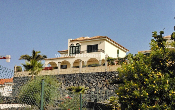 Villa in Tenerife for sale, in Chayofa » #1880