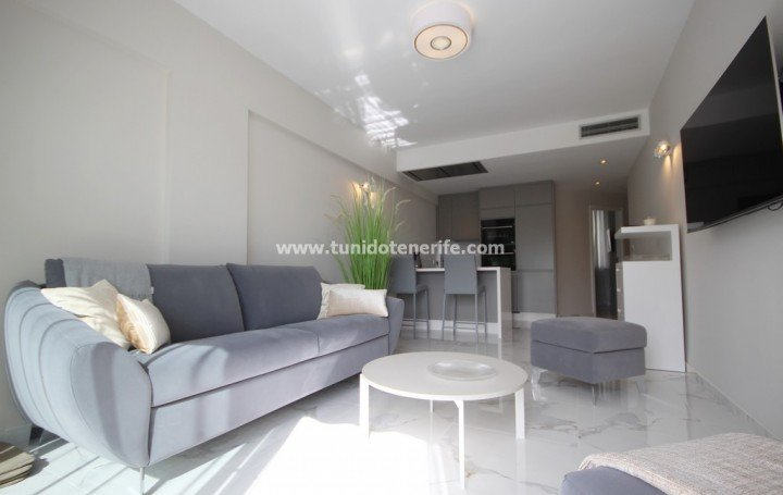 Luxury apartment in Altamira, El Duque, 1st line from the beach, for rent » #1934