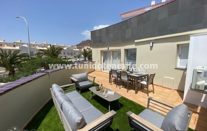 Luxurious and modern 2 bedroom apartment in Los Cristianos, for rent »# 2071