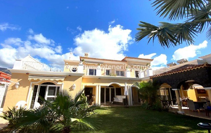 Luxury villa in El Duque, Costa Adeje, for sale »# 2110