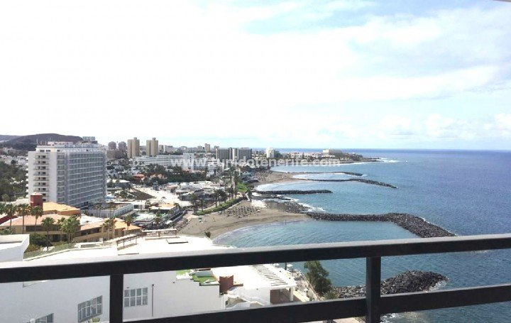 Penthouse in a beachfront complex in Tenerife, Playa Las Américas, for sale »# 2121