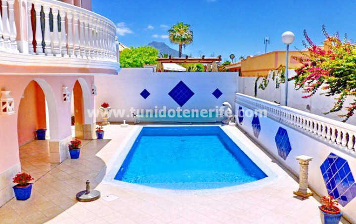 Villa in Tenerife, in Callao Salvaje, for sale » #1707